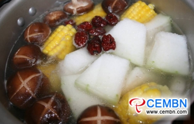 Nutritious Shiitake soup with corn and white gourd