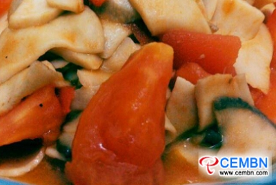Recipe: Stir-fried Drumstick mushroom with tomato and cucumber slices